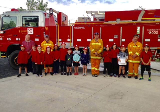 Welshpool & District Primary School students visit the local CFA